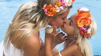 Slaďte outfit s dcerou nejen na Mezinárodní den dětí. Inspirovat se můžete u skutečné odbornice