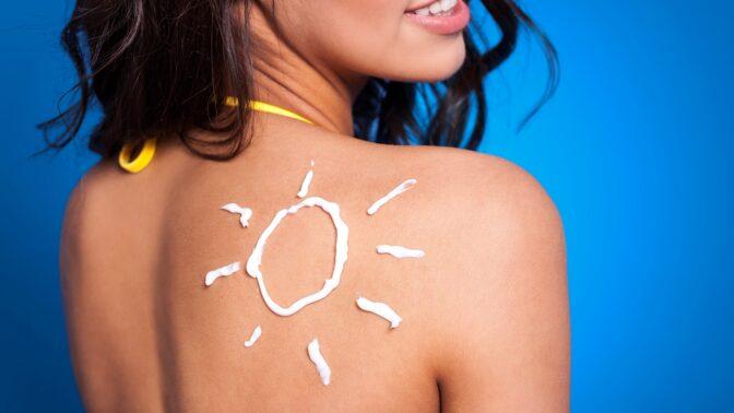 10 tipů, jak si doma ulevit od spálenin způsobených sluncem: Pomůže jogurt, vitamín E i okurka