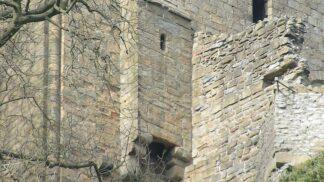 Tajemství středověkých záchodů: Zbraň hradního pána i neobvyklý zdroj obživy