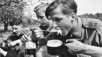Nacistický vůdce měl 15 ochutnávaček jídla: Margot Wölk jako jediná přežila řádění Rusů