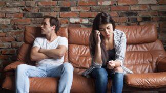 PORADNA: Muž přehnaně žárlí a hlídá každý krok své partnerky. Jak situaci řešit, radí zkušená psycholožka