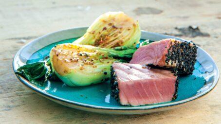 Grilované steaky z tuňáka v sezamové krustě: Vyzkoušejte dotek asijské kuchyně