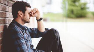 Richard (45): Manželčino povýšení nám ničí vztah. Místo objetí od ní dostávám jen dárky