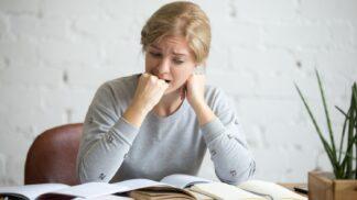 Linda (27): Dodnes pykám za chybné rozhodnutí z mládí. Přišla jsem kvůli němu o spoustu peněz i rodiče