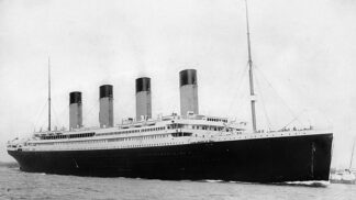 Pořídila unikátní fotografie z potopení Titaniku: Sedmnáctiletou Bernice Palmer ale při jejich prodeji okradli