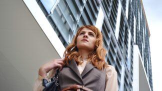 Viktorie (27): Podařilo se mi vymanit z konzervativní rodiny. Teď se ale bojím, jak přijme mé další rozhodnutí