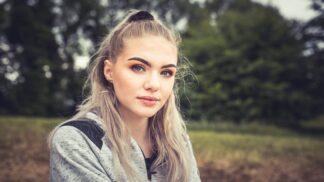 Viktorka (21): Zdál se mi zvláštní sen, v němž jsem potkala milovanou sousedku. Netušila jsem, že jde o poselství