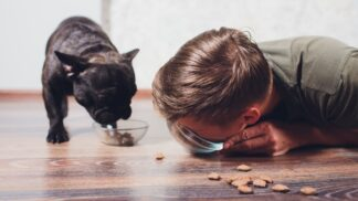 7 nejhorších zaměstnání na světě: Ochutnávač krmiv pro zvířata i uklízeč lidských ostatků