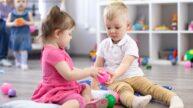 Nenuťte dítě dělit se o hračky. Napácháte tím víc škody než užitku, tvrdí psycholožka