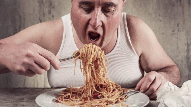 Přejídáním se netloustne: Nová studie ukazuje, proč vlastně přibíráme na váze