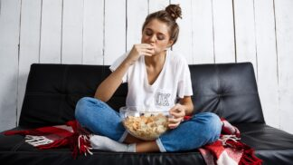 5 chytrých triků, jak zabránit tomu, aby vás v podvečer honila mlsná. Podle dietoložky to není žádná věda