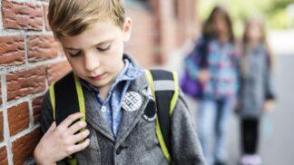 PORADNA: Bojím se, že se moje dítě stalo obětí šikany. Jak v takovém případě postupovat, radí zkušená psycholožka