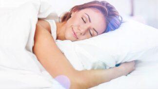 Zůstaňte v posteli: Když si o víkendu přispíte, snížíte riziko deprese o polovinu