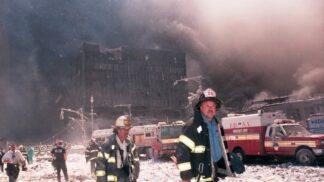 20 let od 11. září 2001: Měla jsem pak strach z mužů, říká dívka, jejíž otec zemřel v letadle