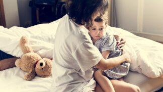 PORADNA: Dítě se v noci budí s neutišitelným pláčem. Jak ho zbavit nočních děsů, radí zkušená psycholožka