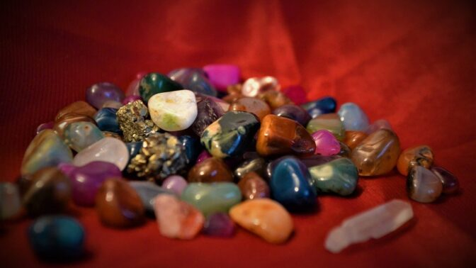 Buďte plná energie. Vsaďte na sílu kamenů a čerpejte znich sílu