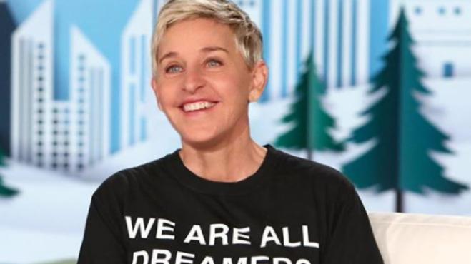 Lesbická moderátorka je miláčkem Ameriky: Ellen DeGeneres baví svět ve své show a bojuje proti AIDS