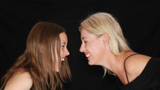 Když se z vaší dcery stává žena. Jak zvládnout toto zvratové období a jak ho dětem neztížit?