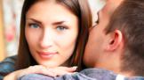 Plné rty, zářivý úsměv i husté vlasy. 5 věcí, které nás přitahují na mužích