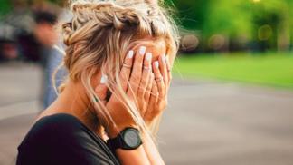 Tyto 4 věci dělají nešťastné a zoufalé ženy. Děláte je i vy?