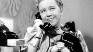 První dáma českého meziválečného filmu Růžena Šlemrová. Hrála role nesnesitelných semetrik. Byla taková i v realitě?