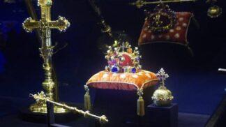 Svatováclavské korunovační klenoty. Je pověst o temné kletbě jen pověrou, nebo se zakládá na pravdě? # Thumbnail