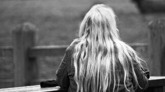 Trápí vás mastné vlasy? Víme, jak s nimi zatočit snadno a rychle