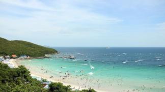 Vyzkoušejte město Pattaya v Thajsku. Teplo není zdaleka jediným lákadlem
