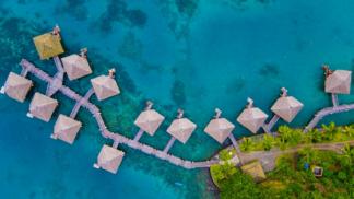 Fotograf pořizuje snímky z ptačí perspektivy pomocí dronu. Jeho díla vás uchvátí