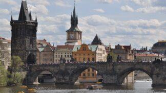 Praha se pouští do boje s vizuálním smogem. Může být totiž škodlivější, než si myslíme
