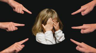Stalo se vaše dítě obětí šikany? Jak tuto věc máte jako rodič řešit a jak to na svém dítku poznat?