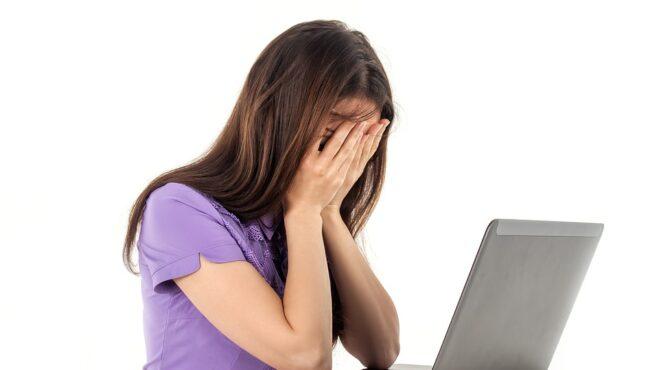 Chcete si v práci udržet psychické zdraví? Základem je vycházet se šéfem a kolegy