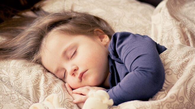 Thumbnail # Proč mluvíme ze spaní a jaké je nejčastější slovo, které ze spaní říkáme?