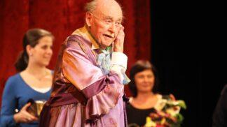 Tragédie v rodině hereckého velikána Lubomíra Lipského. Musel se vyrovnat jak se smrtí bratra, tak vlastního syna