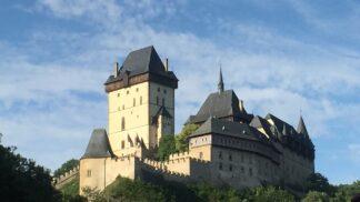 Doba Karla IV.: Jak se žilo na hradě a v podhradí