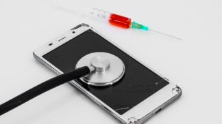 Škodí mobilní telefony našemu zdraví? Vědci stále nemají jasnou odpověď