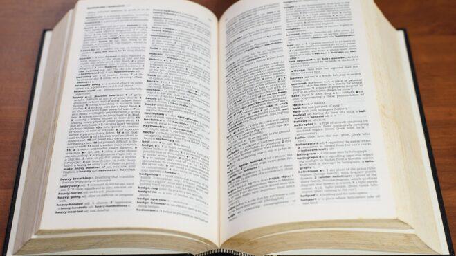 """Dá se porozumět mužům? Ano, dá. Máme pro vás menší slovník ,,chlapovštiny"""""""