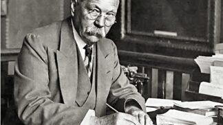Sir Arthur Conan Doyle. Slavný stvořitel Sherlocka Holmese svou postavu nenáviděl