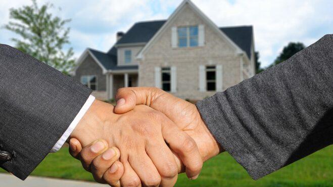 Už nechcete zůstávat otrocky v nájmu a přejete si pořídit vlastní byt? Poradíme vám, jak nenaletět