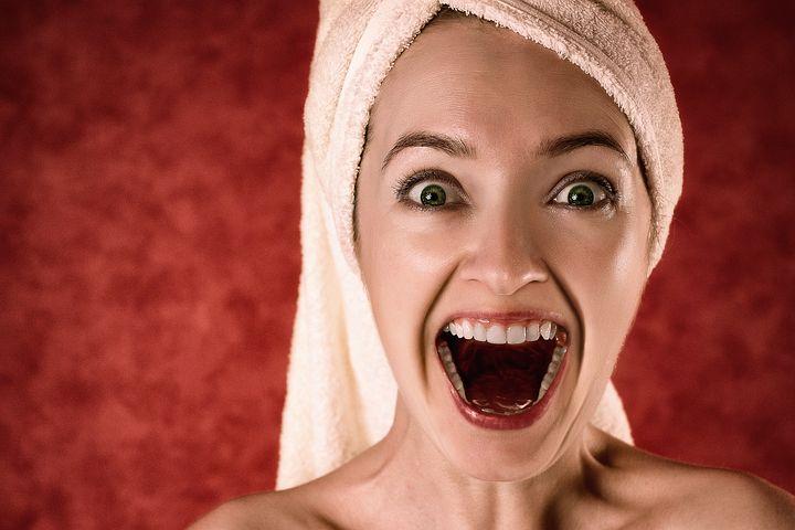 Rudý, namodralý, bílý: Podívejte se, co jazyk prozrazuje o vašem zdraví!