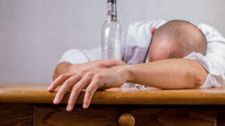 Těžký život opilcův aneb jak se vypořádat s kocovinou