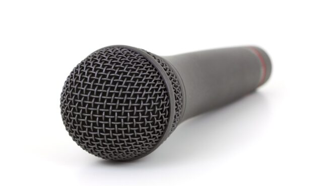 Fenomén elektronického hlasu EVP. Opravdu se dá mluvit s duchy?