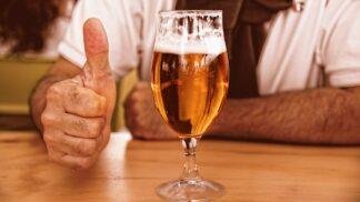 Zajímavá fakta o pivu. Víte například, že je bratrancem marihuany?