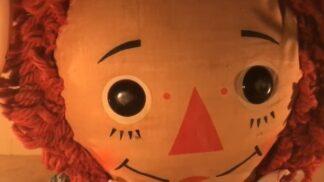 Annabelle. Démonická panenka, která udělala svým majitelkám ze života peklo # Thumbnail