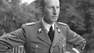 Lina Heydrichová. Z velmi nóbl manželky nacistické zrůdy se po válce stala prostá děvečka. Manžela se do své smrti zastávala # Thumbnail