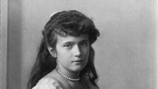 Největší záhada 20. století rozluštěna. Přežila velkokněžna Anastazie rodinný masakr?