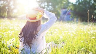 Užívat léto si můžete i v kanceláři. Přinášíme 9 tipů, jak na to