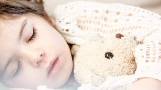 Paralýza nebo skřípání zubů. Co dělá ve spánku každý z nás, ale nemá o tom ani tušení?