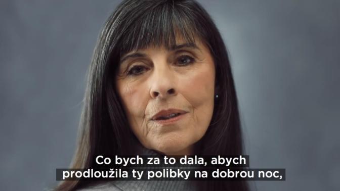 Nechte povinnosti plavat a buďte na to hrdé, vzkazují zralé ženy v emotivním videu