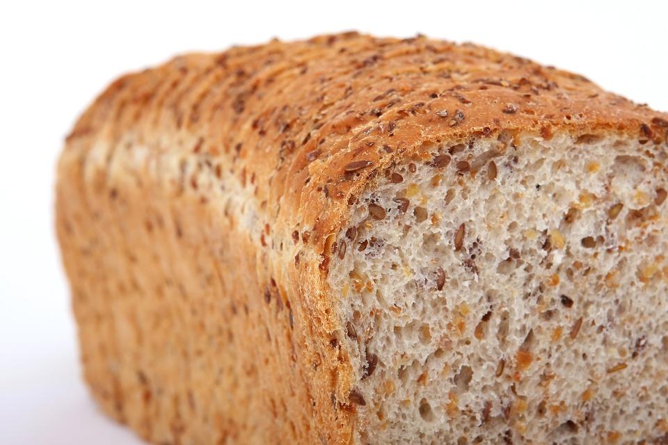 Chleba čerstvý klidně půl roku! S tímto úžasným trikem už nevyhodíte ani korunu